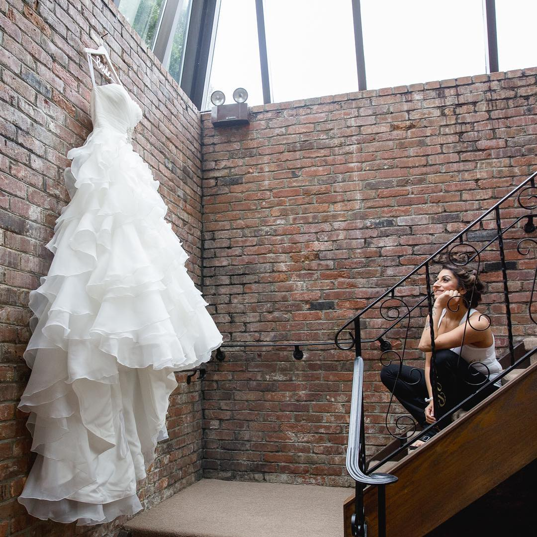 Why-choosing-a-preloved-wedding-dress-is-the-best-option
