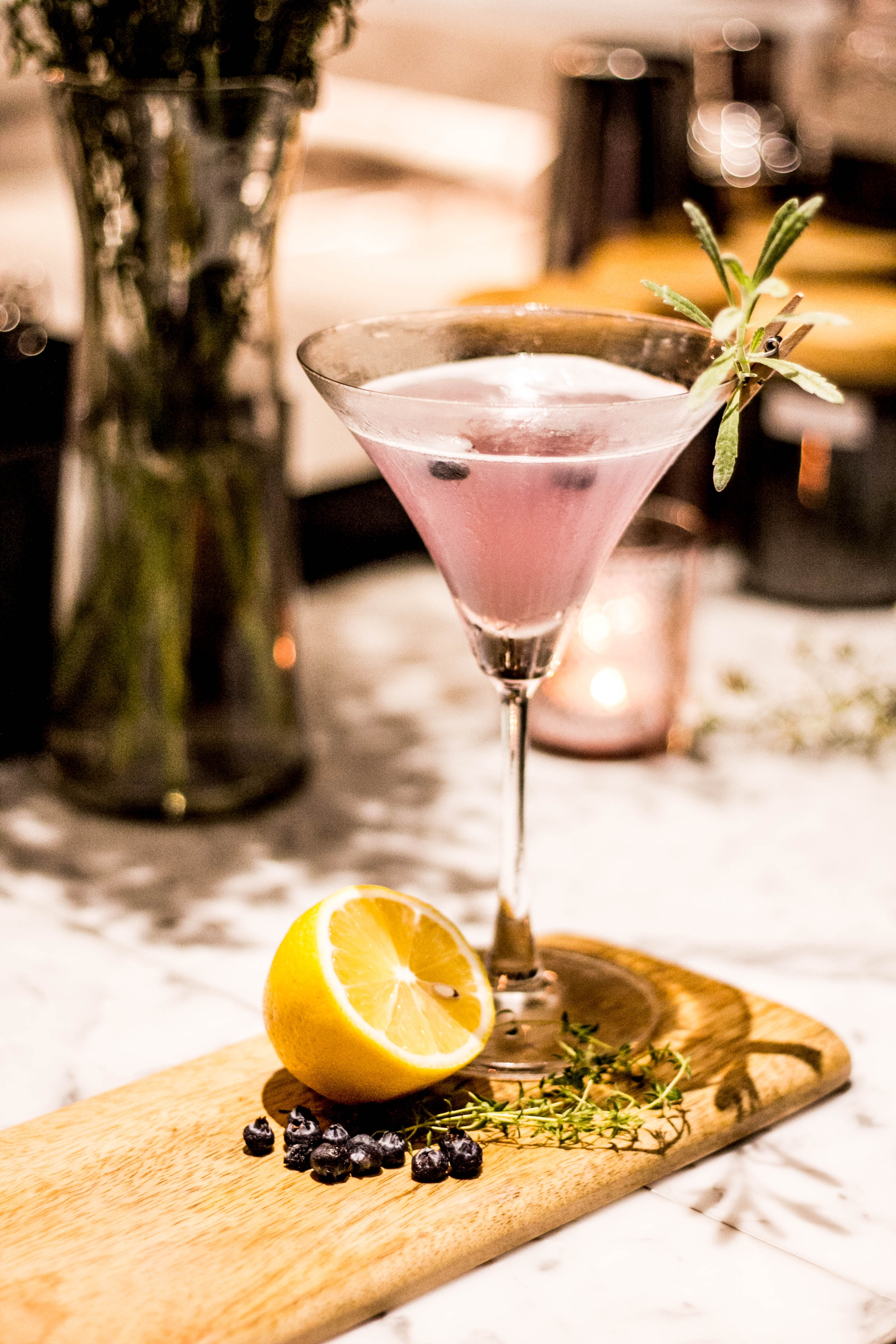 Signature-cocktail for spring wedding