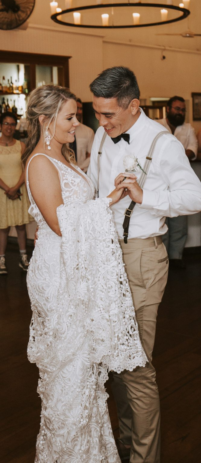 lace made with love wedding dress | secondhand wedding dress