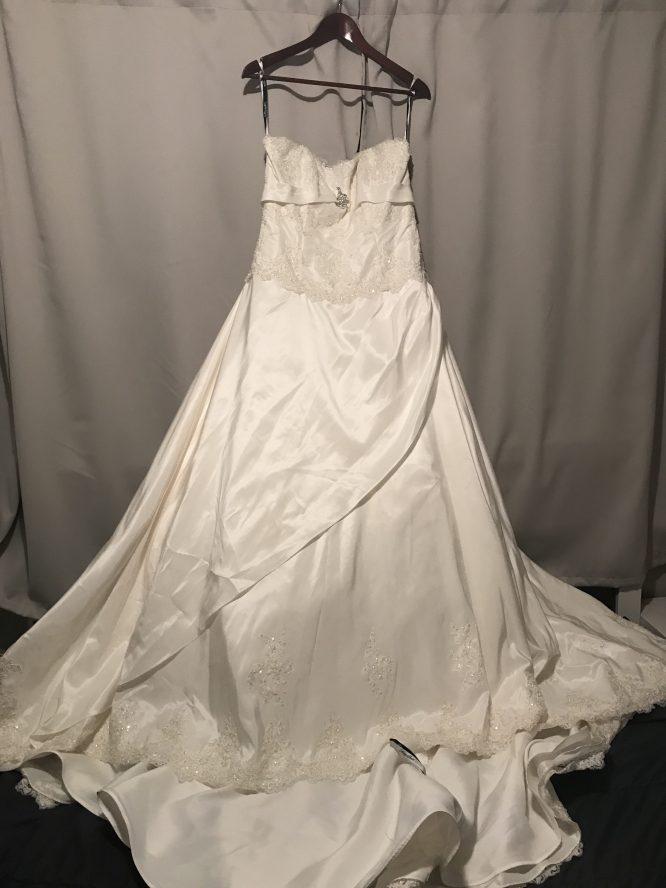 Henry roth wedding dress for sale | Pre-loved wedding dresses australia
