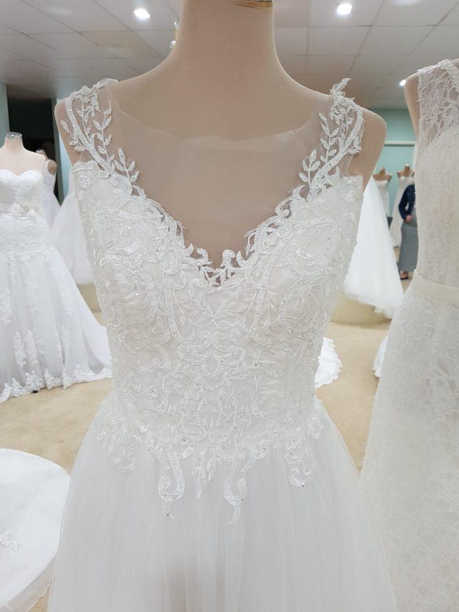 new becca daphne wedding dress | pre-loved wedding dress australia