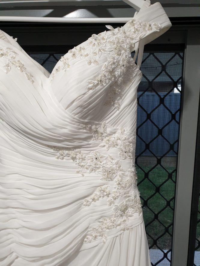 off the shoulder ivory pre-loved wedding dress | buy pre-loved wedding dress
