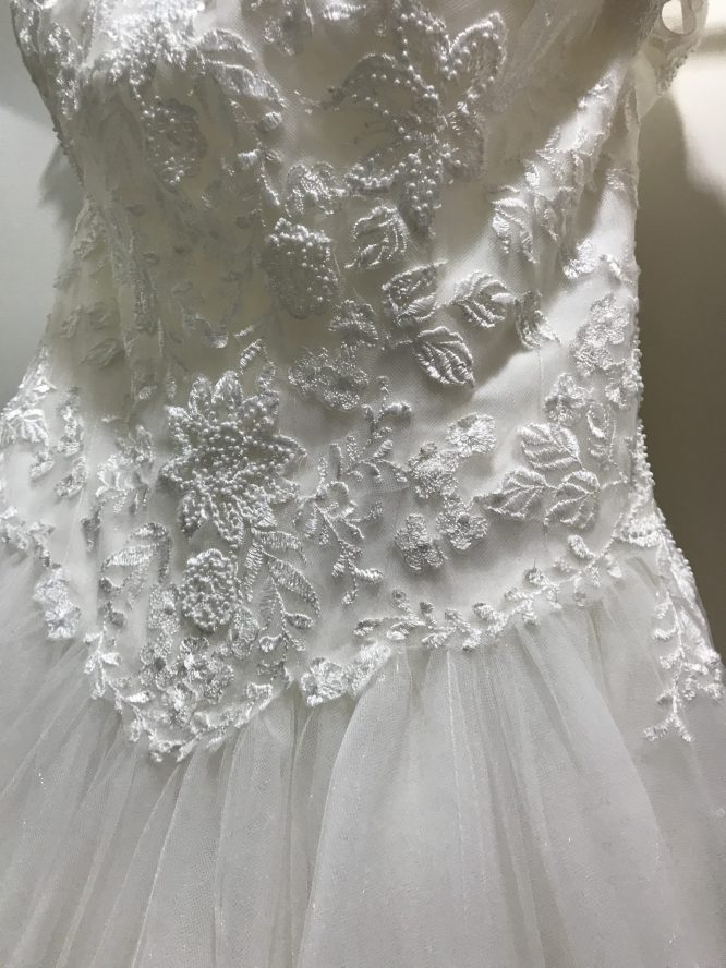 tulle luvbridal wedding dress | hire out my wedding dress