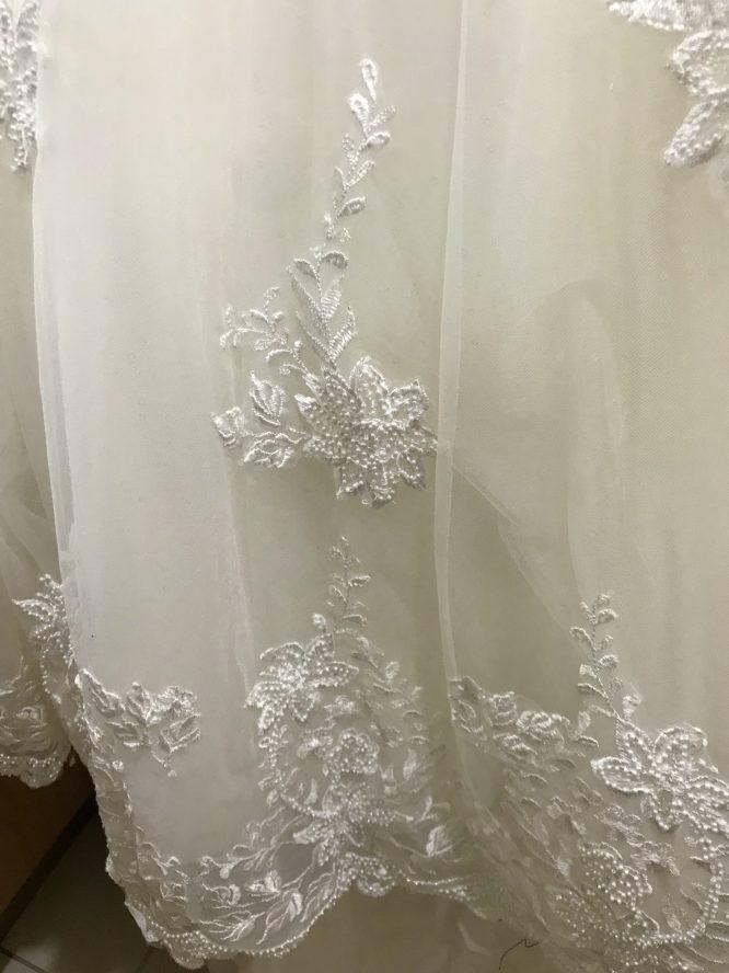off the shoulder wedding dress | pre-loved wedding dress