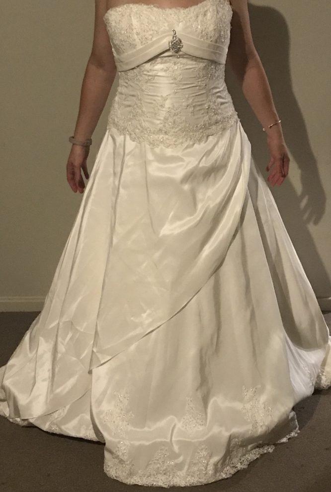 New Henry Roth Wedding Dress | Sell Your wedding dress australia