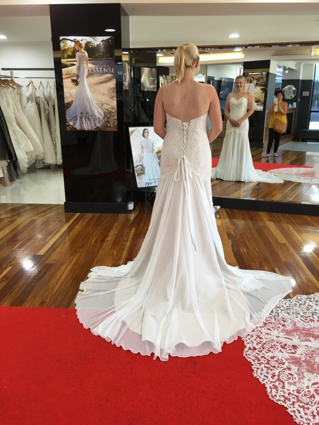 melbourne pre-loved brides desire wedding dress | secondhand wedding dress