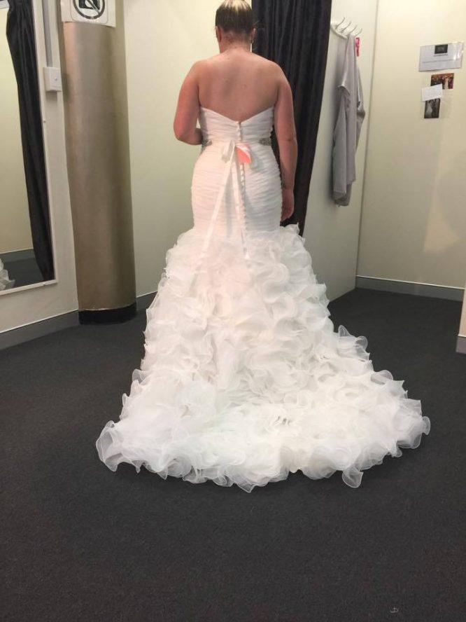 Allure bridal style 8966 wedding dress | pre-loved wedding dress australia