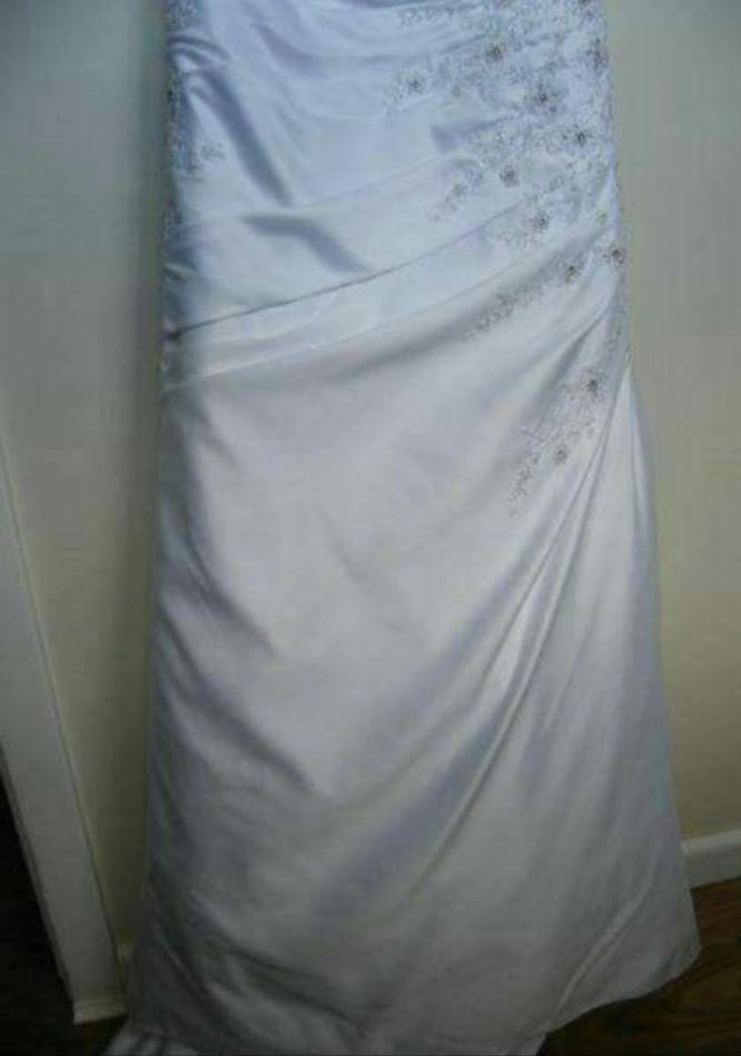 pre-loved wedding dress adelaide