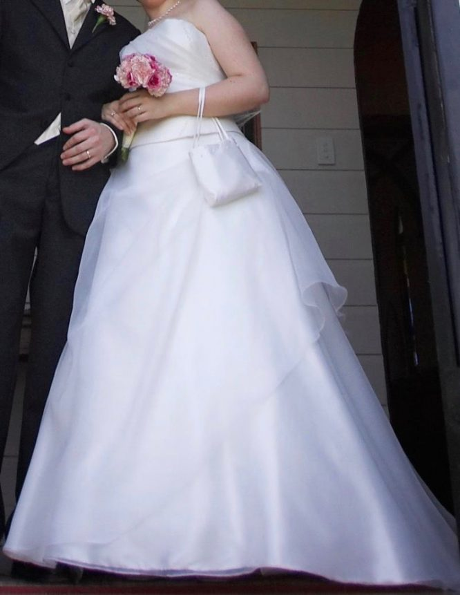 Strapless bella donna wedding dress | pre-loved wedding dresses australia