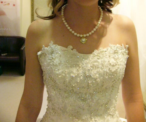 size 8 demetrios wedding dress | buy pre-loved wedding dress