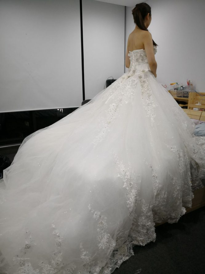 white tulle ballgown wedding dress | buy pre-loved wedding dress