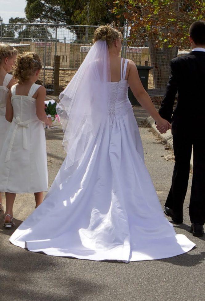 pre-loved size 14 lasposa wedding dress