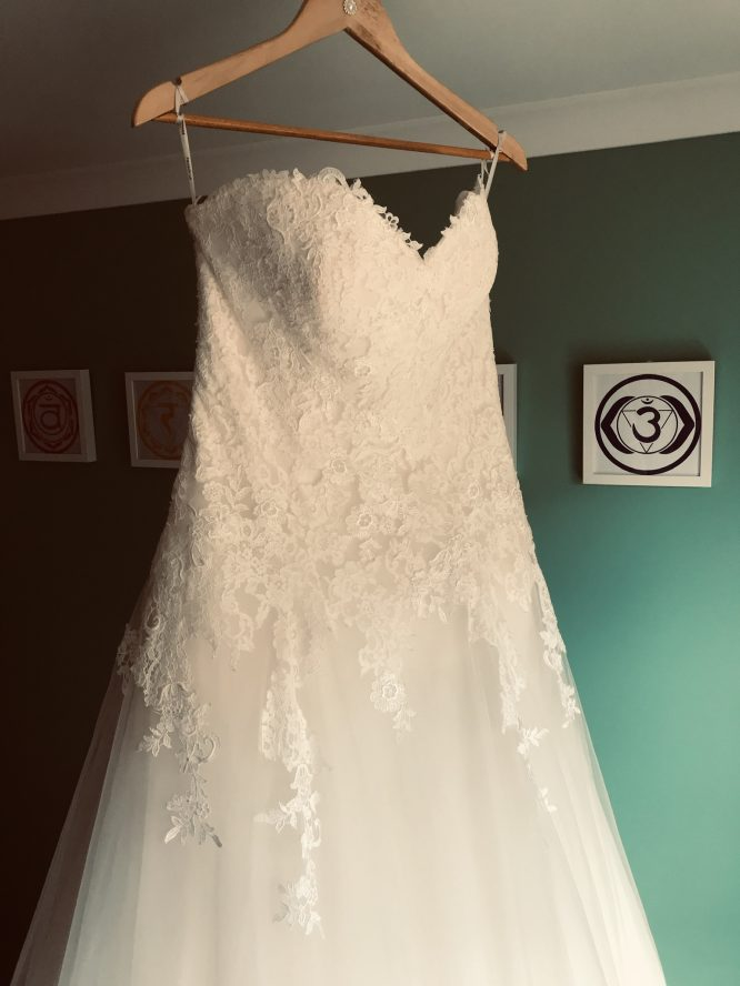 pronovias wedding dress   pre-loved wedding dresses australia