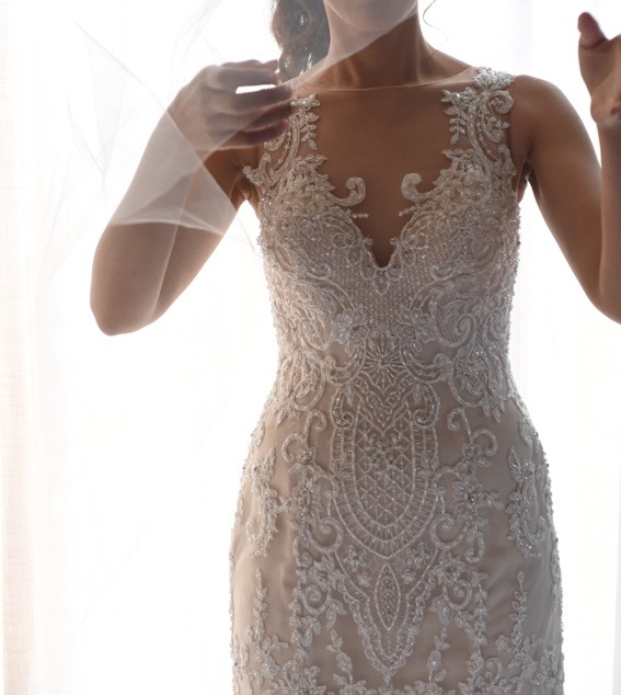 size 6 demetrios wedding dress | pre-loved wedding dresses australia