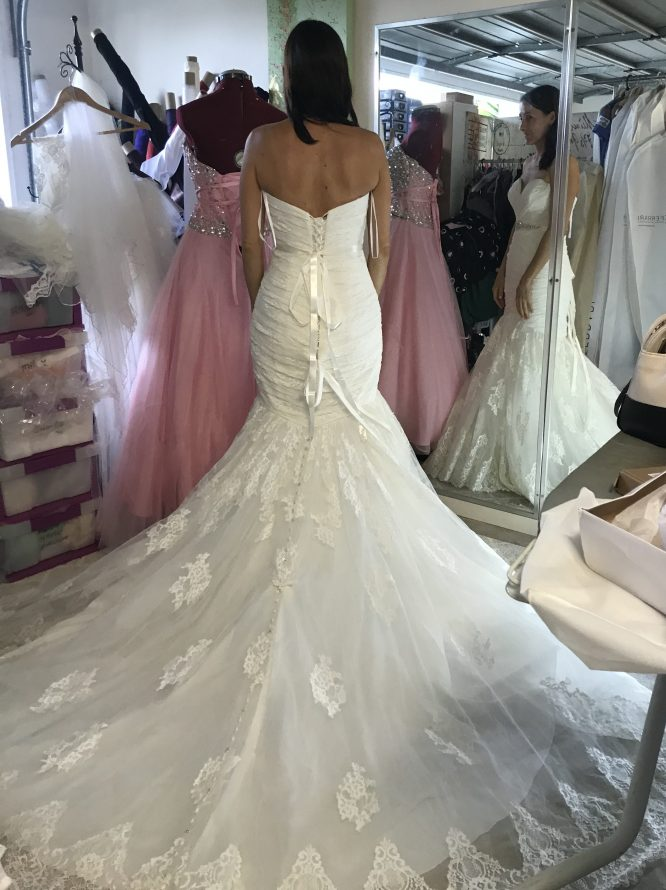 size 10 allure wedding dress | buy pre-loved wedding dress