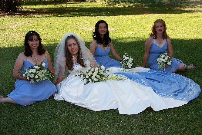 size18 alfred angelo wedding dress | hire wedding dress ilawarra