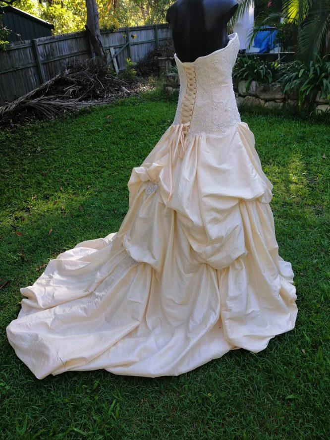 pre-loved maggie sottero wedding dress | hire my wedding dress