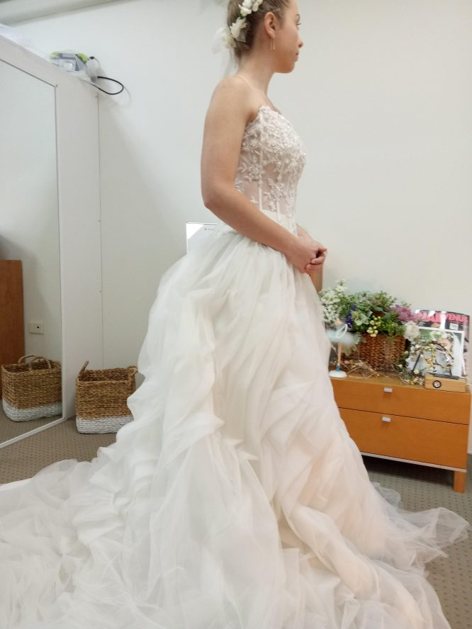 White two-piece wedding dress | secondhand wedding dress