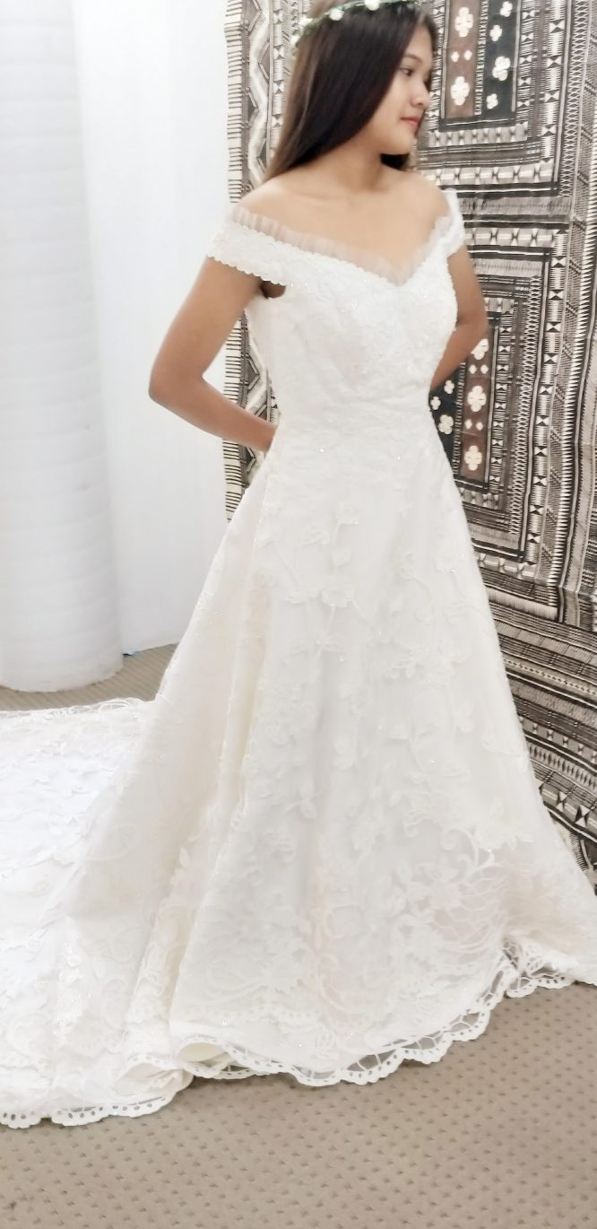 size 10 off the shoulder wedding dress | wedding dress hire
