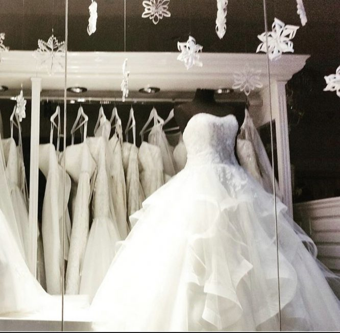 multi-layered christina rossi wedding dress   lend my wedding dress