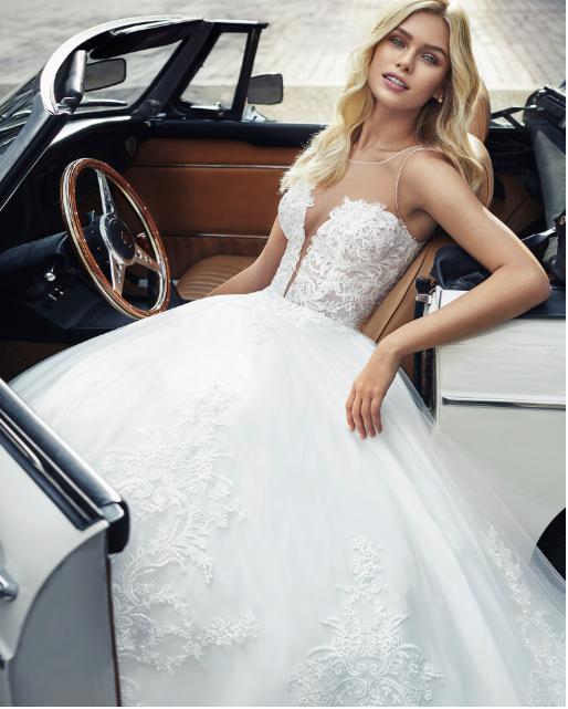 size 14 luna novias wedding dress | wedding dress hire melbourne