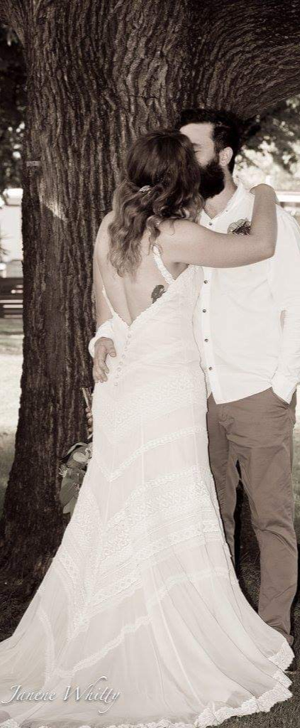 size 12 qnique wedding dress | wedding dress hire