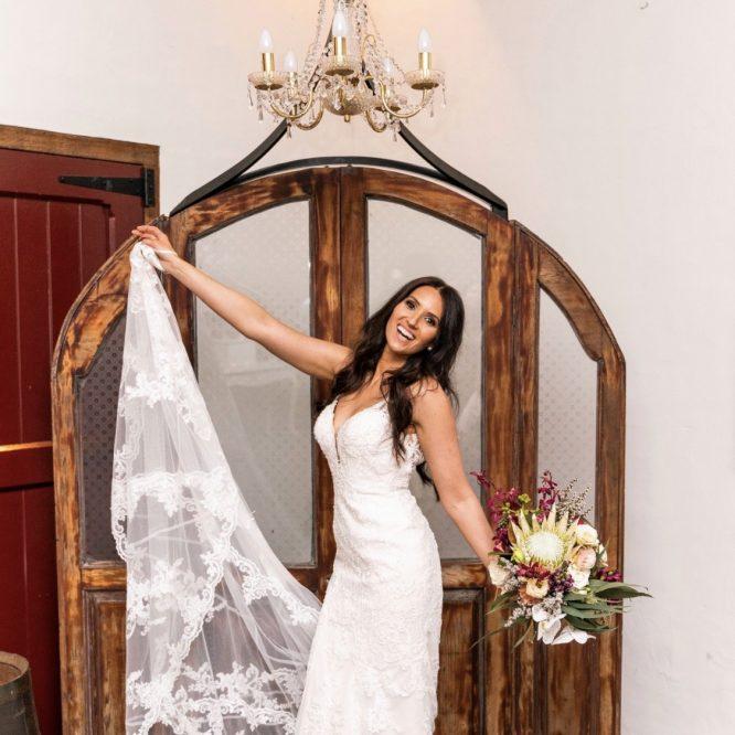 lace stella york wedding dress | second hand wedding