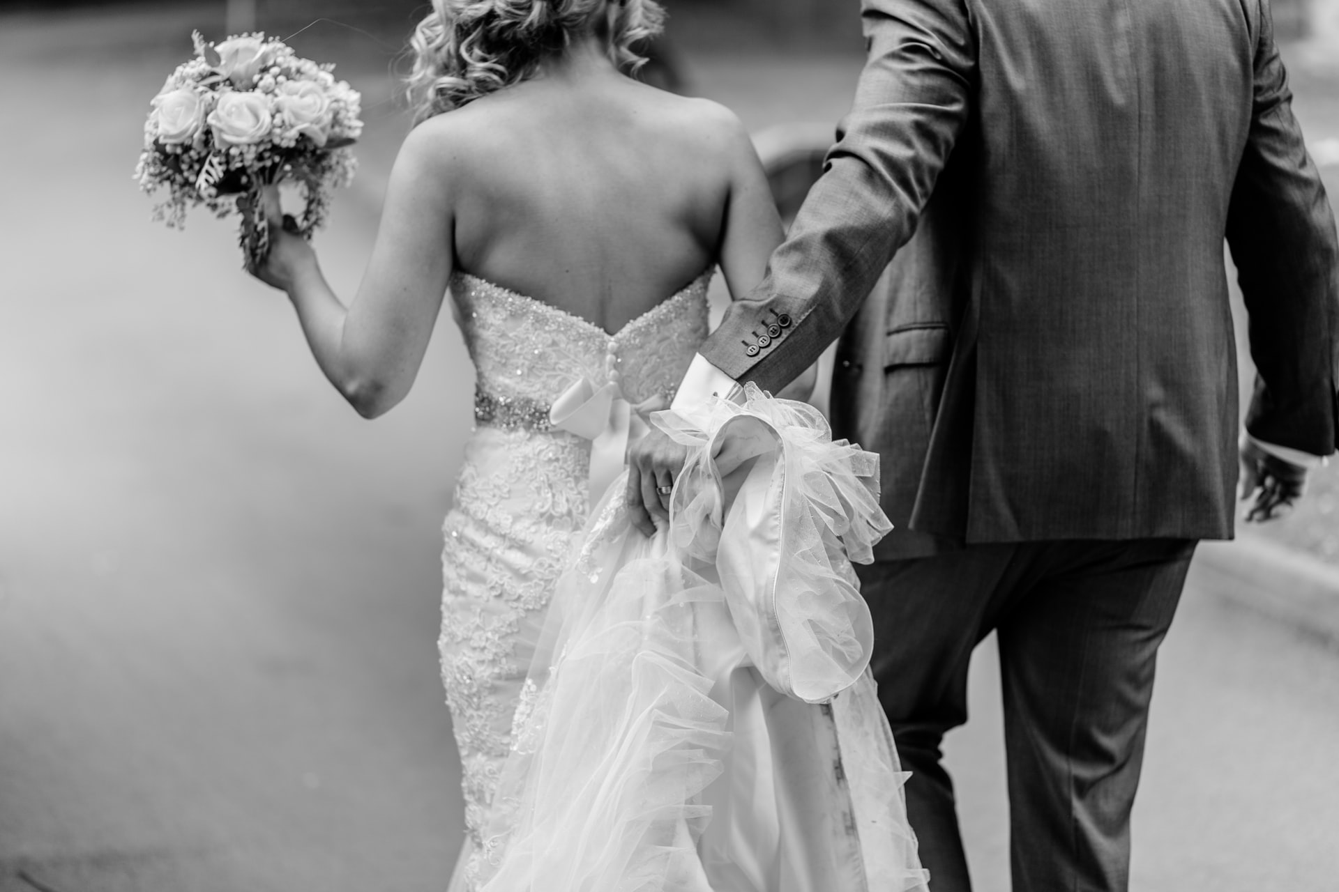 Why Selling Your Pre-Loved Wedding Dress